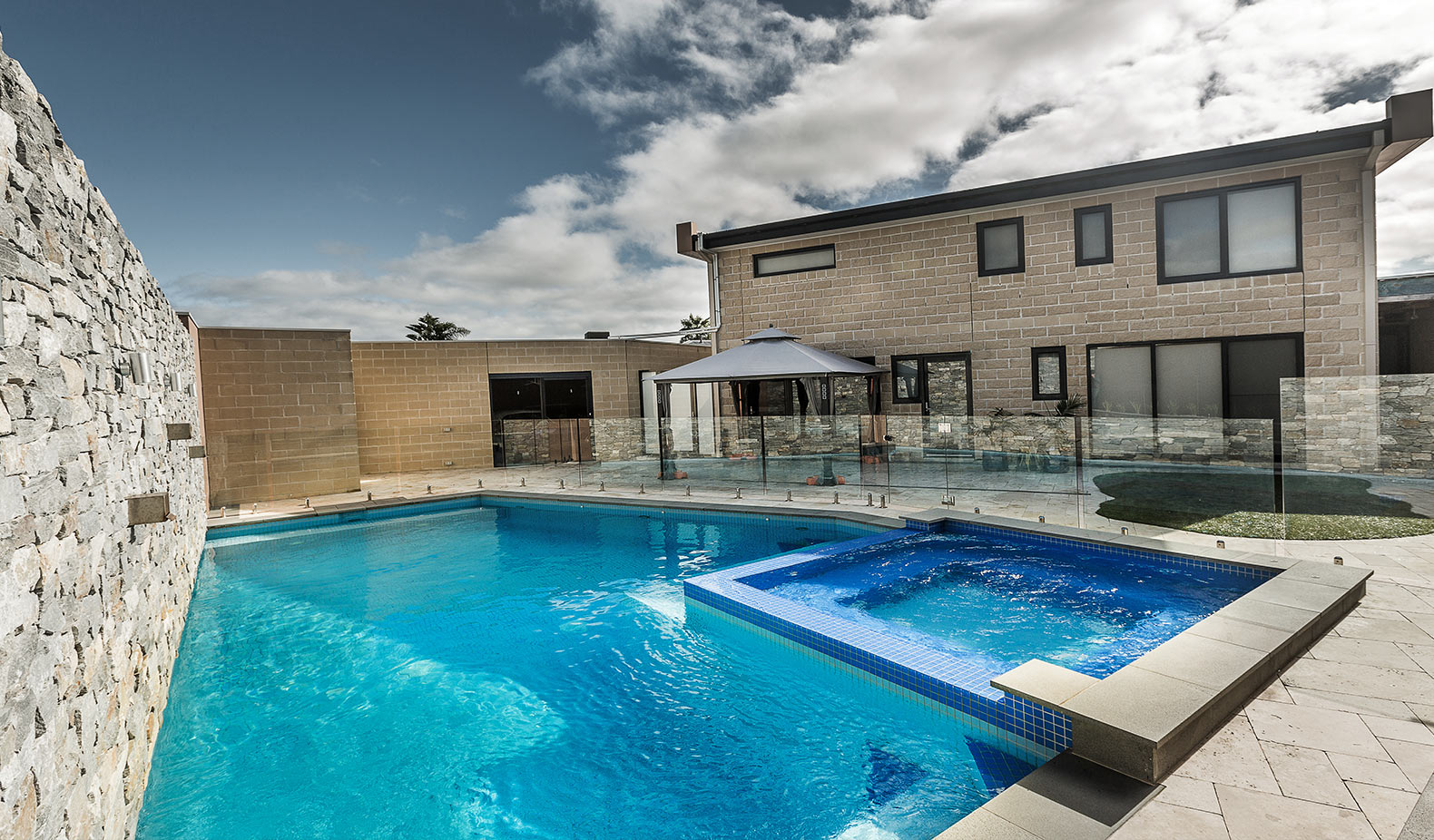 pools for small areas melbourne