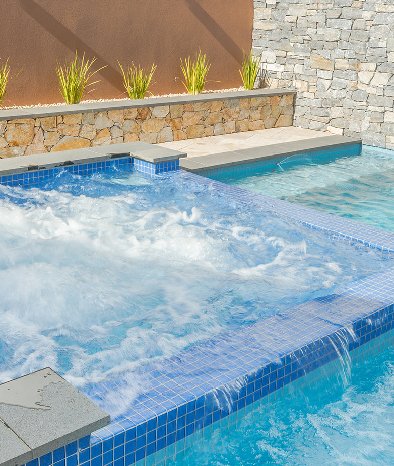 Spas melbourne spa builders eco pools spas for Spa builders