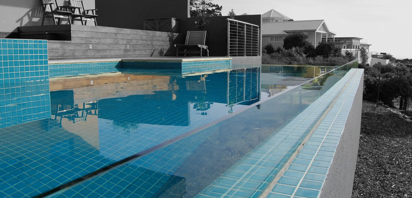 glass edge pools